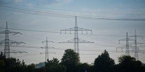 Strom Überlandleitungen, Strommasten